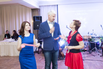 Ведущий Сергей Андреев